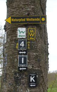 Wegweiser am Westerwaldsteig