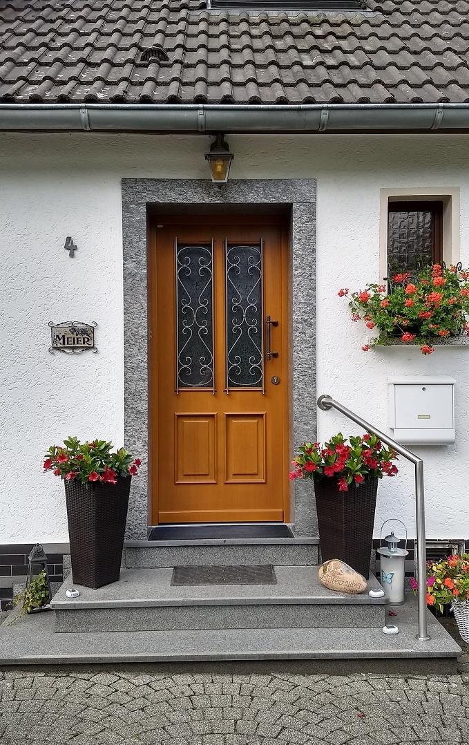 Eingang - nur 3 Stufen